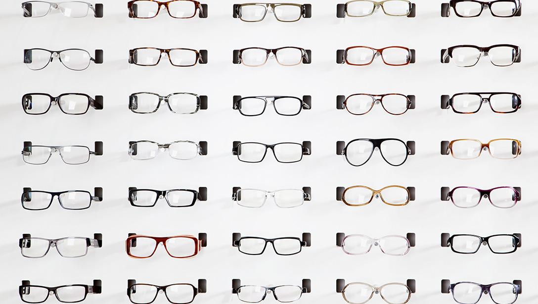 Frame Design & Display | Essilor